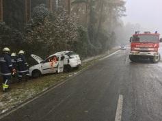 Verkehrsunfall mit eingeklemmter Person zwischen Sitzendorf und Groß