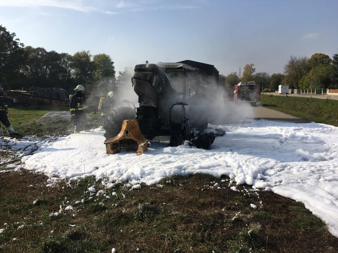 2019.10.15_Traktorbrand Niederschleinz_4.JPG
